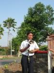 Pak Muhadi (PSKP-UGM) sedang memberikan sambutan